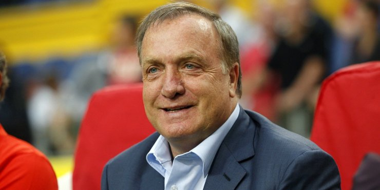 Football Manager Dick Advocaat upsets Sunderland fans with a terrible preseason