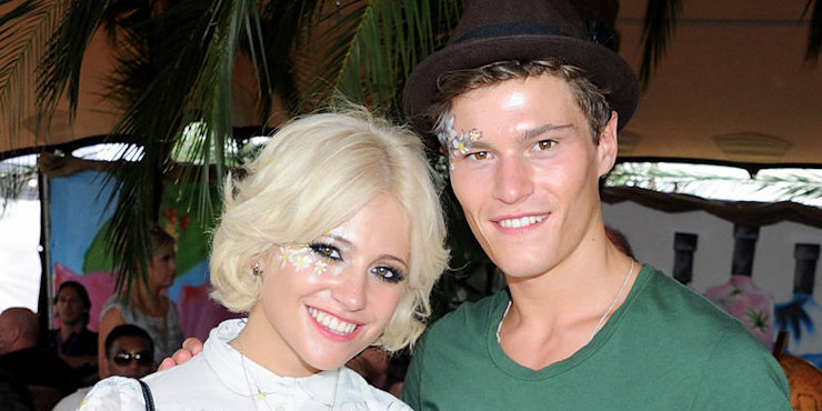 Pixie Lott sings songs at the Brentwood Festival while looking hot  in Demin Shorts, previously seen cuddling with boyfriend