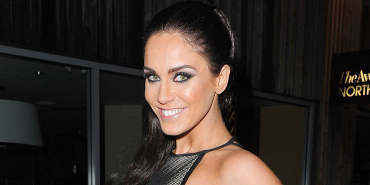 Vicky Pattison, who is promoting her new book, criticizes Cheryl Fernandez-Versini for weight loss