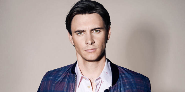 Actor Harry Lloyd might be gay!! Refuses to open up about dating and girlfriends/boyfriends on interviews