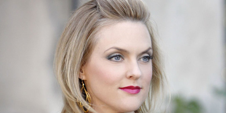 Is actress Elaine Hendrix dating again after EIGHTEEN YEARS? Rumors of a secret affair