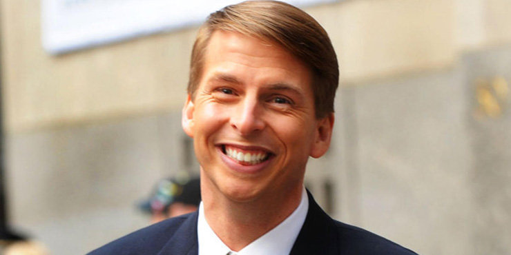 30 Rock star Jack McBrayer is neither gay nor does he have a girlfriend. Why? Because he is Asexual!!!