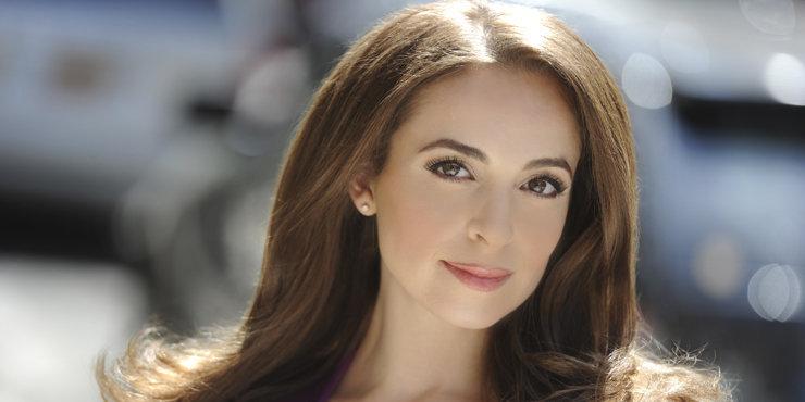 Fox anchor Jedediah Bila gives advice on dating and boyfriends