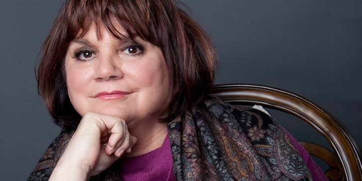 Singer Linda Ronstadt, age 69, opens up about why she never married and what her ideal husband would be like
