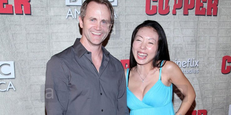 Actor Lee Tergesen and his third wife Yuko Otomo, married since 2011