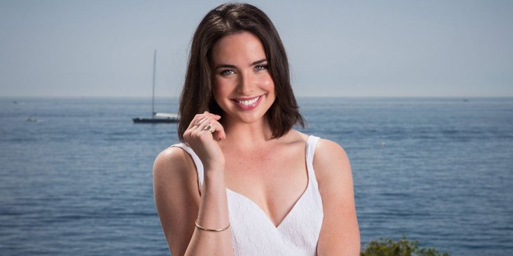 Actress Ashleigh Brewer looks unrecognizable in new look
