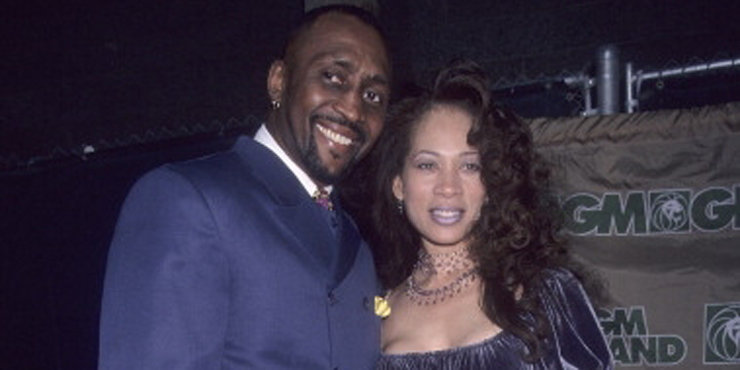 Boxing star Thomas Hearns and wife/mother of his son Renee getting a divorce??