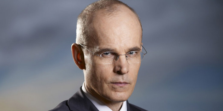 Is actor Zeljko Ivanek gay??