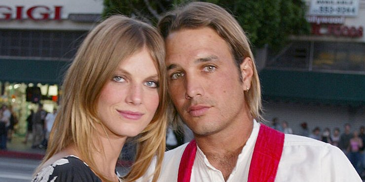 Model Angela Lindvall getting close to ex-husband William Edwards, whom she divorced in 2006??