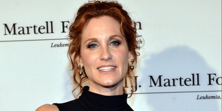 The original April O'Neil actress Judith Hoag to appear alongside the hot Megan Fox in the Teenage Mutant Ninja Turtle movies franchise