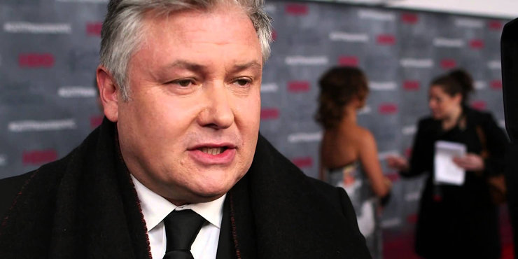 Has Conleth Hill ever been married? Is he currently dating anyone?