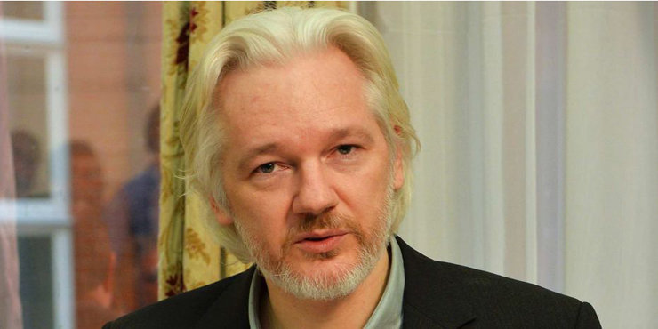 Is Julian Assange married, is he dating anyone?