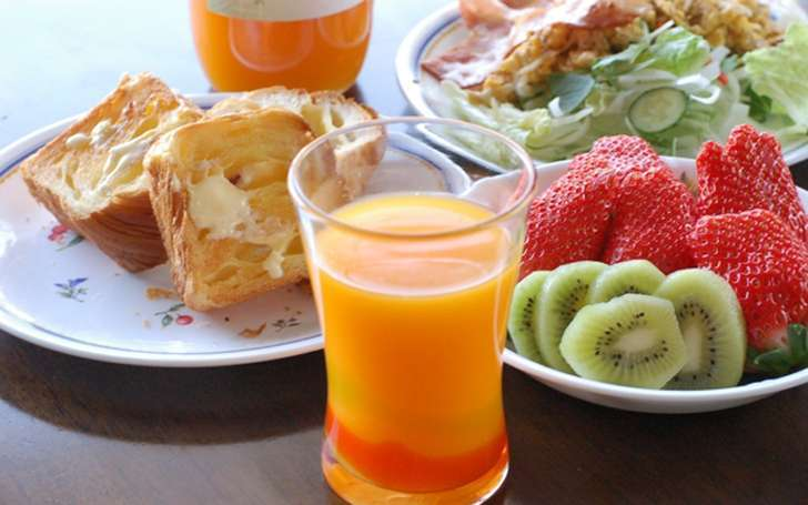 Healthy Foods and Drinks for Breakfast