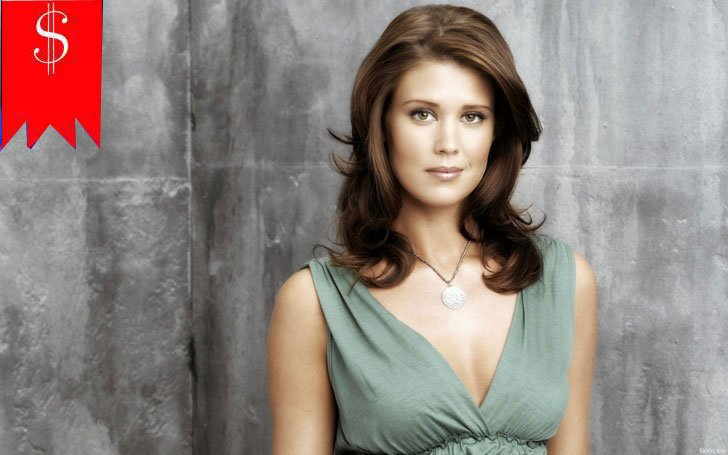 How much is Sarah Lancaster's net worth? Know about her career