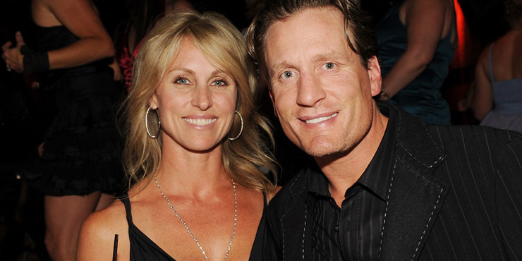 Jeremy Roenick and wife Tracy Roenick live a happy married life. Jeremy says he loves his family.