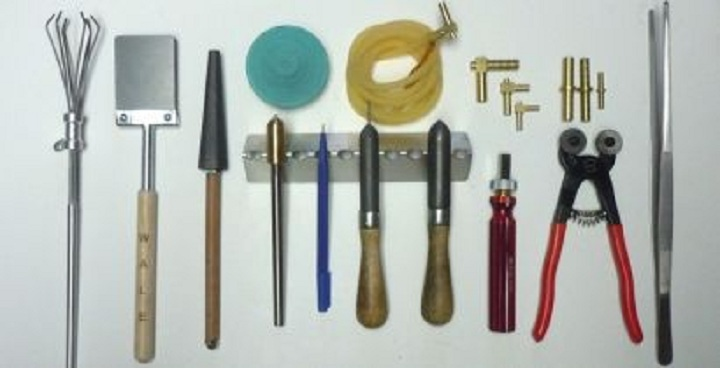 Eleven essential Hand Tools that you should have at your home