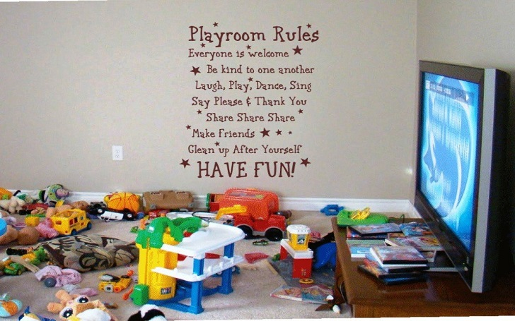 Painting and Decorating Kid's Room Within Budget