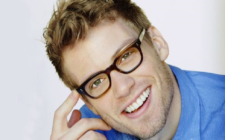 How much is Actor Barrett Foa's Net Worth? See his House, Properties, Sources of Income, and Career