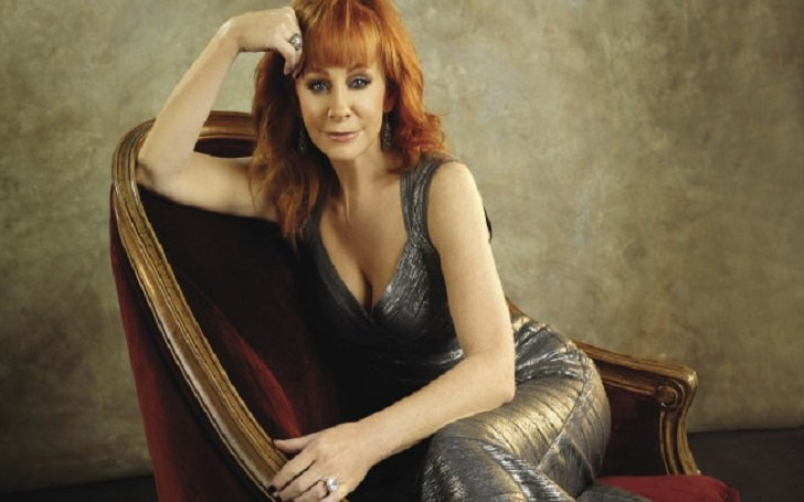 How much is Reba McEntire's Net Worth? Know about her Business Ventures, House, Career, and Awards