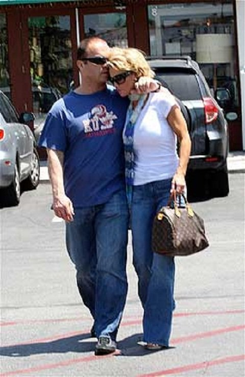 Actress Kelly Carlson and Tie Domi