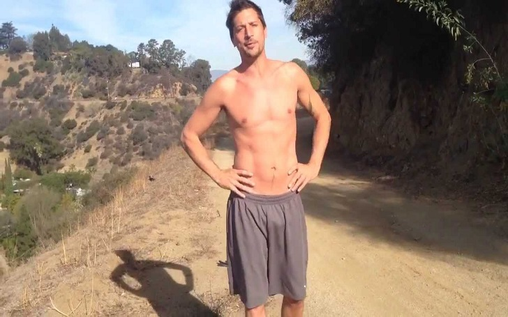Is Simon Rex Single or Dating? Uncover his Past Affairs as well!