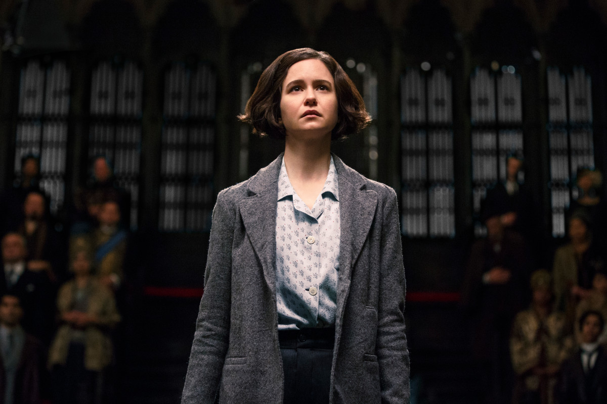 Actress Katherine Waterston as Porpentina Goldstein in Fantastic Beasts movies