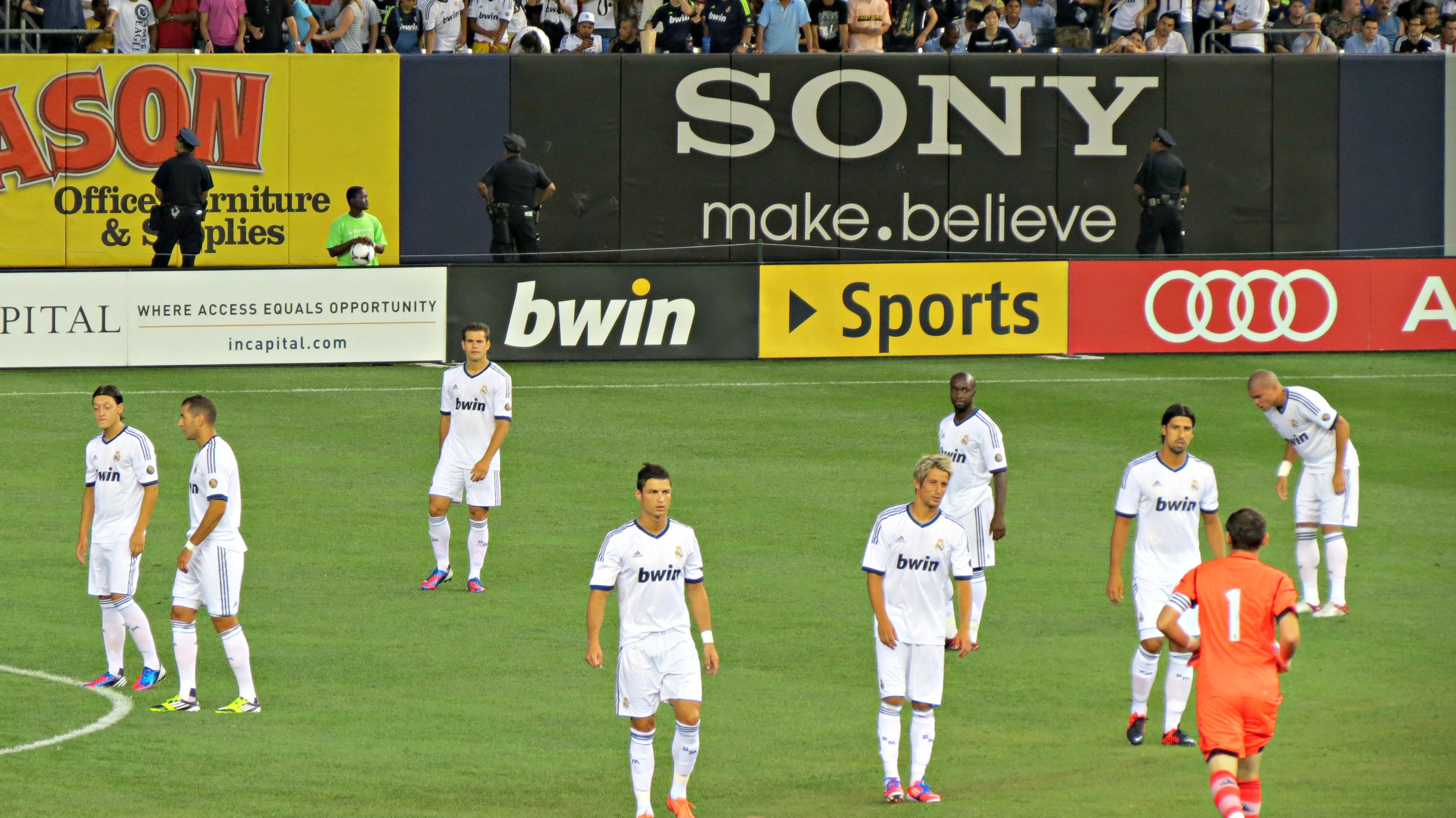 Real Madrid players, Cristiano Ronaldo, Mesut Ozil, Karim Benzema, Sami Khedira, Pepe and Iker Casillas in Yankee Stadium.