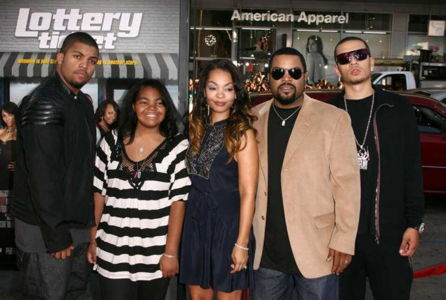 photo of Ice Cube's family in an event