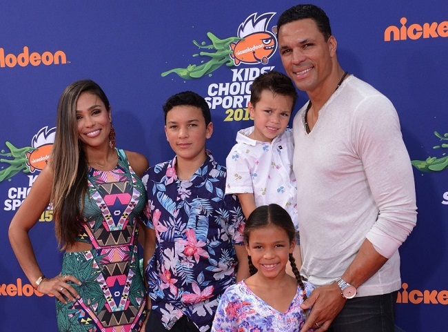 October Gonzalez and her family in an event.