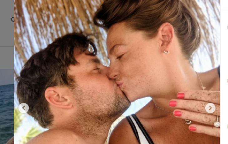 Shana Swash Is Engaged; Who Is Her Partner?