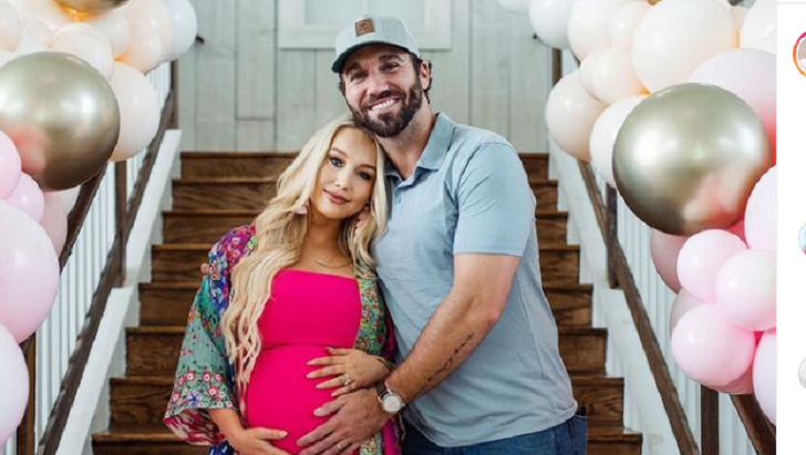 American Singer-Songwriter RaeLynn Has Welcomed First Child; Who Is The Father?