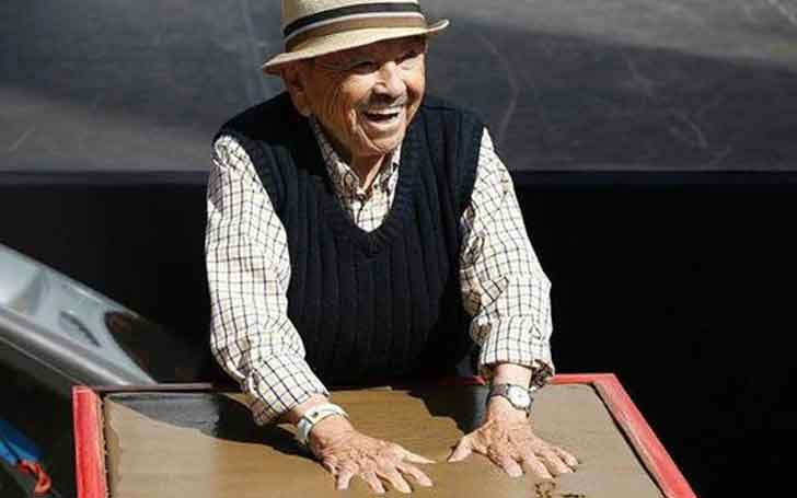 Oldest Munchkin of Wizard of Oz Jerry Maren Died at the age of 98