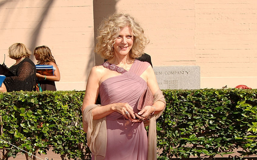 After the Death of Husband Bruce Paltrow in 2002, Is Blythe Danner Married or Single?
