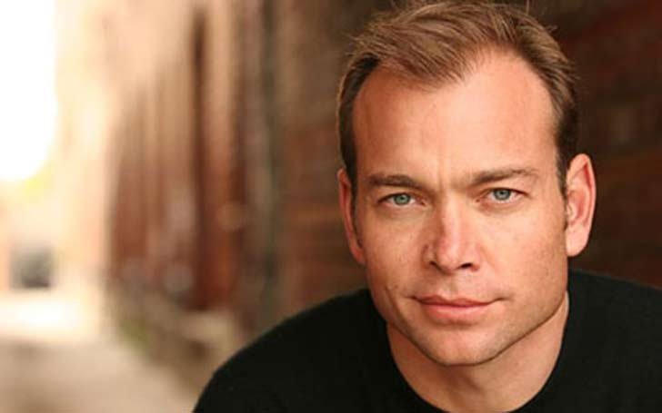 who is Jonathan Breck dating? What does he look for in a girlfriend?