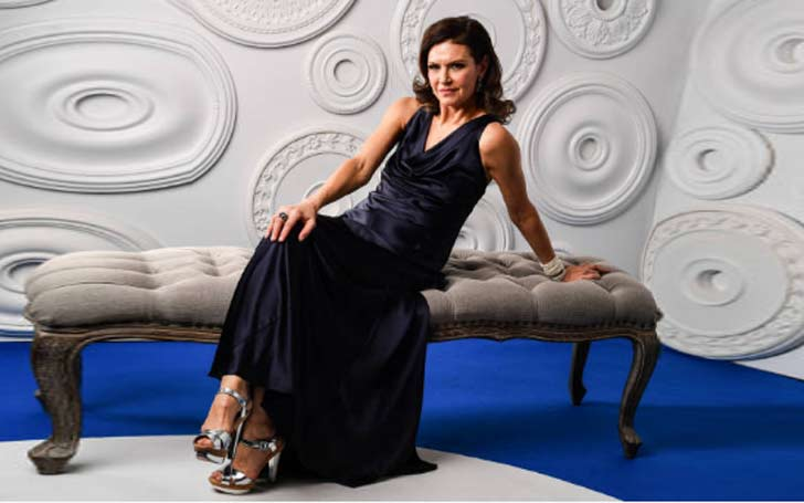 Actress Wendy Crewson, age 59, opens up about coming out as a lesbian after being married to a man and having two children
