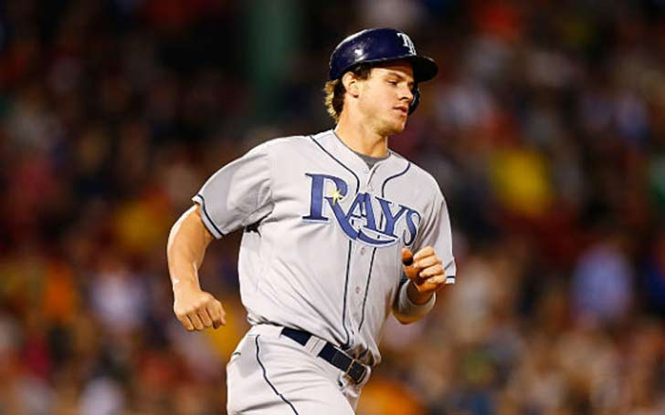 Wil Myers exits match due to leg injury.