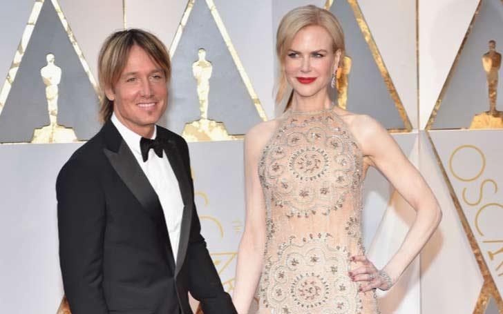 Keith Urban and wife Nicole Kidman perform a cute duet.