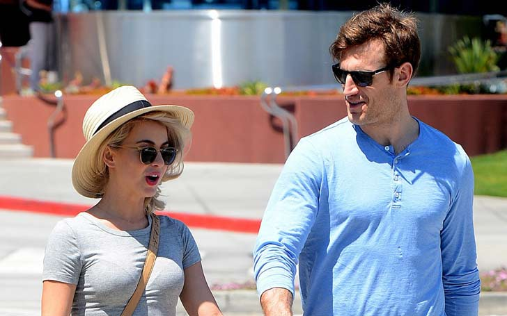 Julianne Hough and fiancee Brooks Laich look quite the pair as they go shopping in L.A.