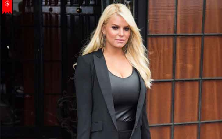 37 Years American Actress Jessica Simpson Receives Large Amount From Her Profession; Has a Huge Net Worth