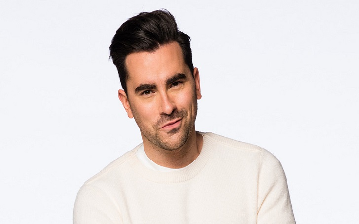 """Canadian TV Actor Dan Levy From Schitt's Creek Makes Appearance In American Talk Show, """"Damn He looks hot"""""""